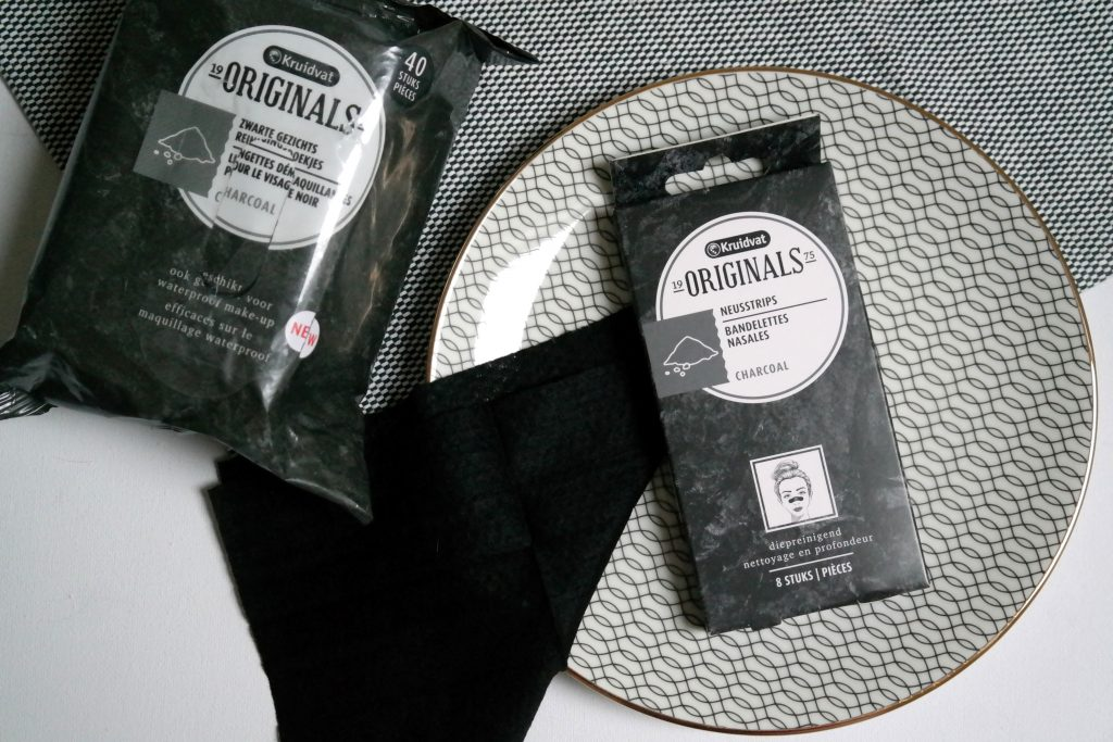 Kruidvat Originals charcoal nose strips and cleansing wipes